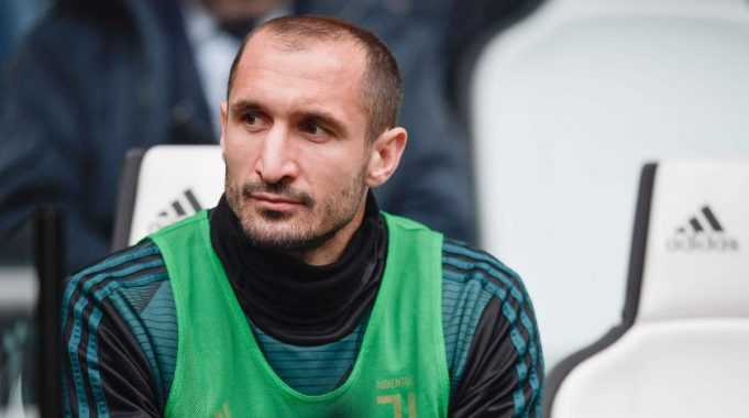 chiellini-in-panchina