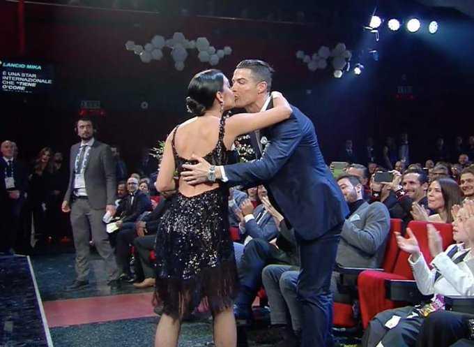 georgina-rodriguez-sanremo-ronaldo-bacio