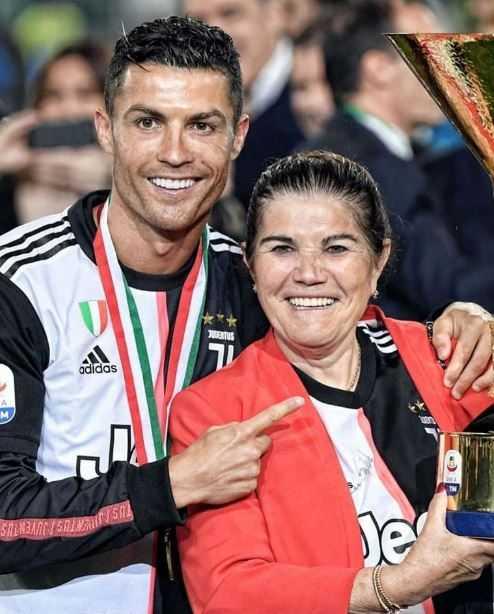 ronaldo-mamma-coppa