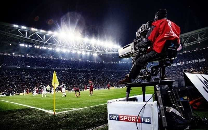 Diritti Tv, offerta shock di Sky a DAZN